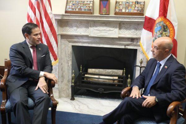 Simonovis reaparece y pide compromiso con Venezuela al Congreso de EEUU