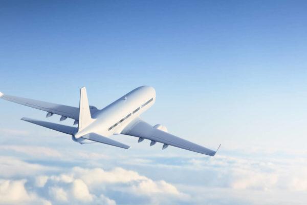Las aerolíneas empiezan a compensar el carbono que emiten