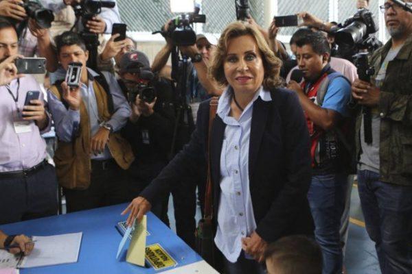 Ex primera dama Sandra Torres gana en Guatemala pero irá a segunda vuelta
