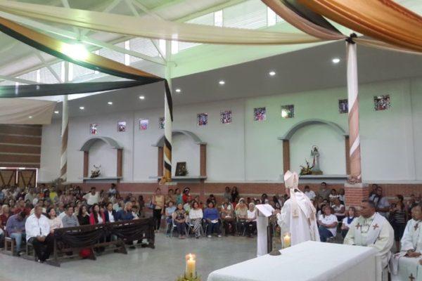 Iglesias y templos reabrirán en noviembre con 40% de aforo