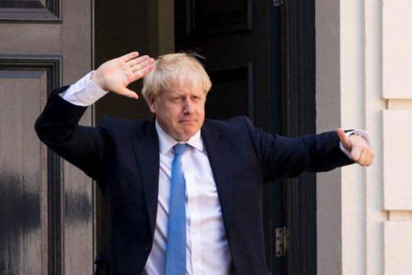 Johnson ordena derogar ley que sumó a Gran Bretaña a la UE el 31 de octubre