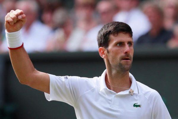 El codo de Djokovic está «OK por ahora», según su capitán