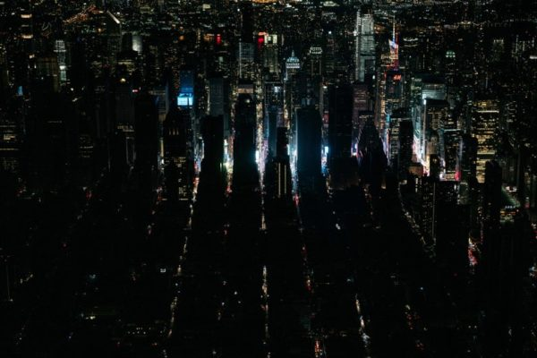 Gigantesco apagón dejó parte de Manhattan a oscuras por horas