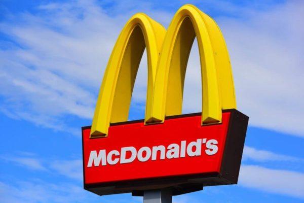Franquiciados negros demandan a McDonald's por supuesta discriminación racial