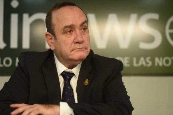 Presidente electo de Guatemala ante desafío de frenar la emigración a EEUU