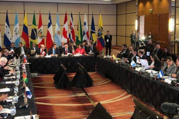Unos 60 países discuten sobre Venezuela tras nuevas sanciones de Trump