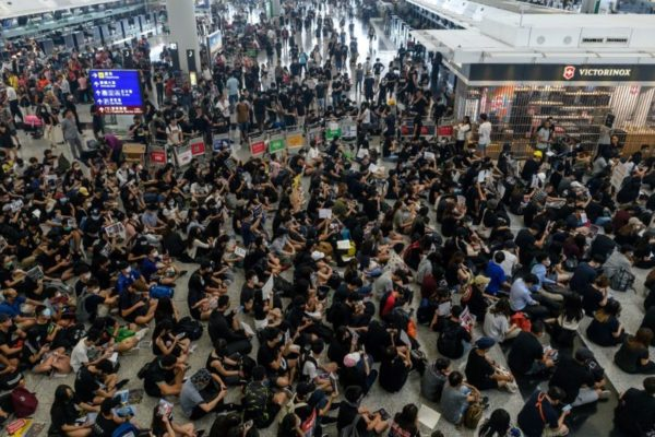 Rebelión civil en Hong Kong cumple seis meses y amenaza con intensificarse