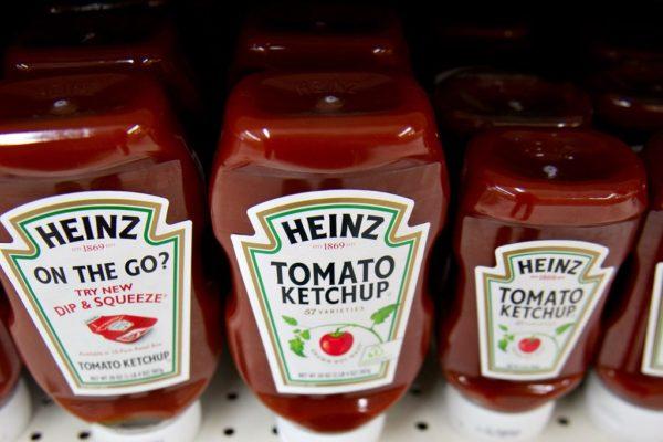Kraft Heinz retira sus pronósticos de ganancias tras débiles resultados