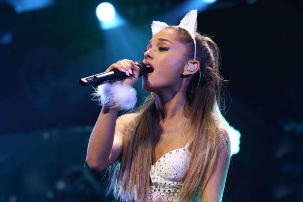 Ariana Grande lanza un nuevo álbum y apoya a Joe Biden