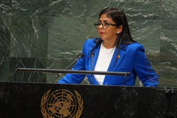 Delcy Rodríguez entregó copia del pacto de la Casa Amarilla a Secretario de la ONU