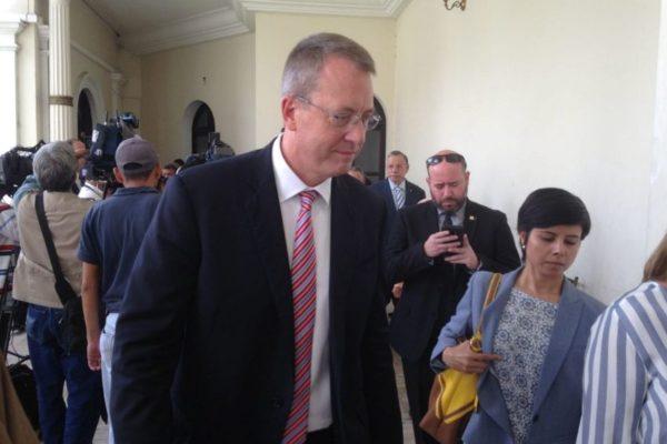 Story apela al discurso pro sanciones para ser ratificado como embajador en Caracas