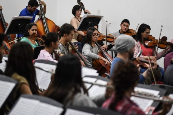 Músicos venezolanos y colombianos ponen melodía a los anhelos de paz