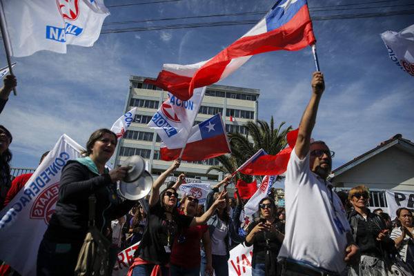 Violenta protesta en Chile por falta de alimentos durante cuarentena