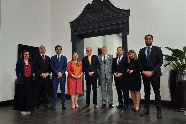 Embajadora Belandría y Comisión Plan País presentaron el plan para Venezuela en Brasil