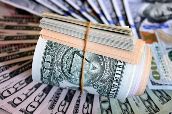 Dólar oficial sube 0,11% y se ubica en Bs.74.989,87 mientras el paralelo sigue a la baja