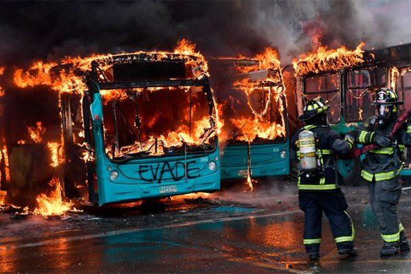 Chile está paralizado ante las peores protestas desde el retorno a la democracia