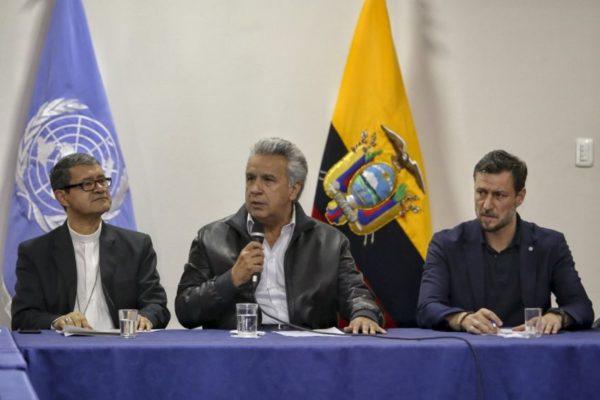 Moreno mantiene subsidios a combustibles y acuerda fin de protestas en Ecuador