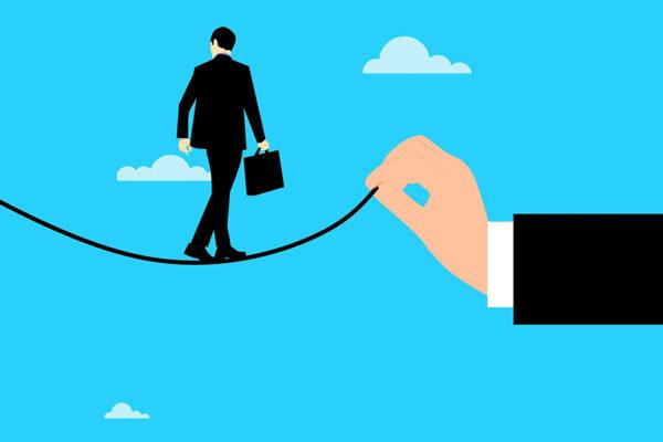 PGA Group: 63% de las empresas considera reducir tamaño de sus negocios y 53% estima disminuir nóminas
