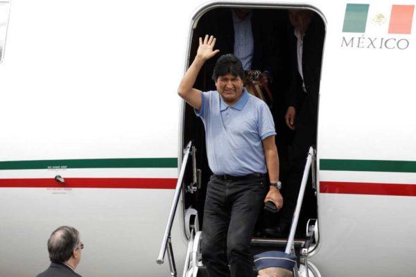 Evo Morales llegó a México tras asilo político
