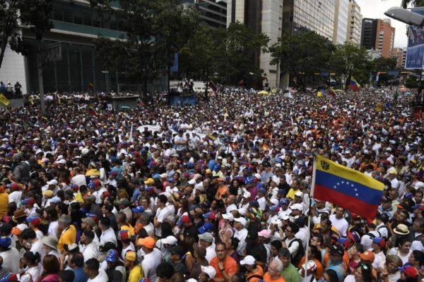 Consultora estima que oposición movió 750.000 personas este #16N