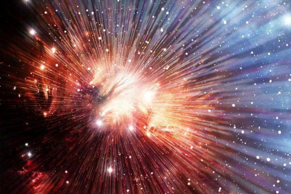El cosmólogo ganador del premio Nobel que detesta el término «Big Bang»