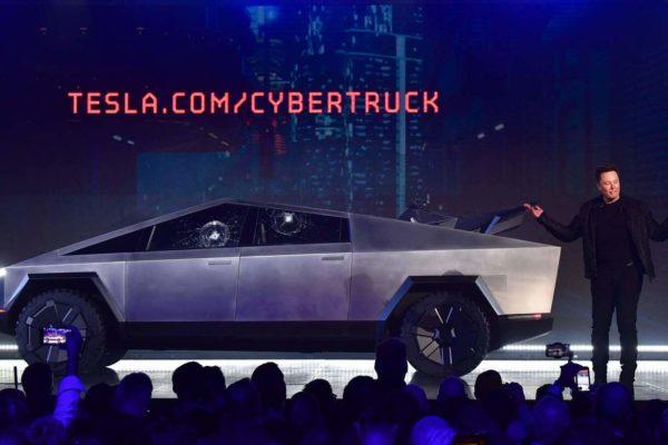 Tesla presentó la Cybertruck, su camioneta eléctrica a prueba de balas