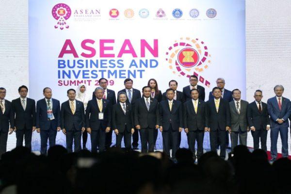 La cumbre de ASEAN arranca con el foco centrado en un megatratado comercial
