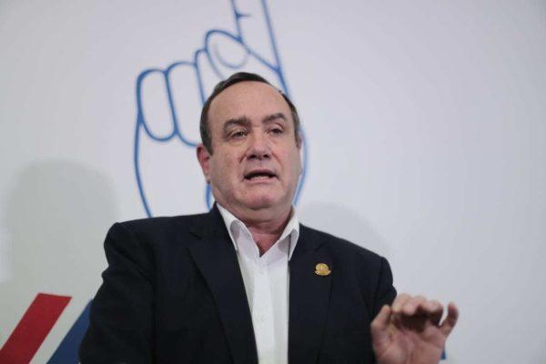 Presidente electo de Guatemala asegura que expulsará a diplomáticos venezolanos