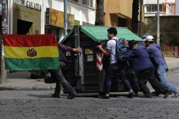 Evo Morales denuncia golpe de Estado luego de motines en unidades policiales