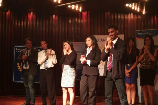 Reto U premió a jóvenes comprometidos con el desarrollo social