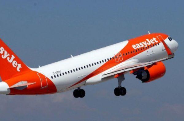 EasyJet advierte del coste de las vacaciones en el exterior por test de COVID-19