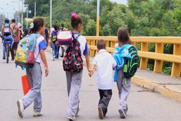 La pandemia congela la educación de millones de niños en América Latina
