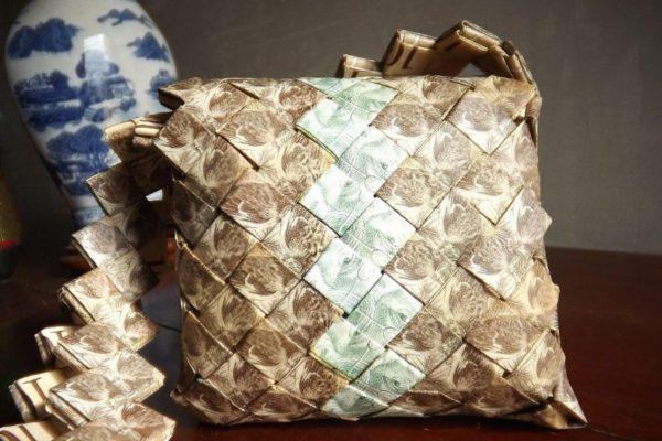 Mercado de artesanía dispara demanda de billetes de bolívares en Colombia