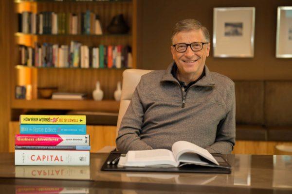 Estos son los 5 libros que recomienda leer Bill Gates en 2020