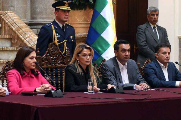 Bolivia expulsa a diplomáticos de México y España y Madrid responde en reciprocidad