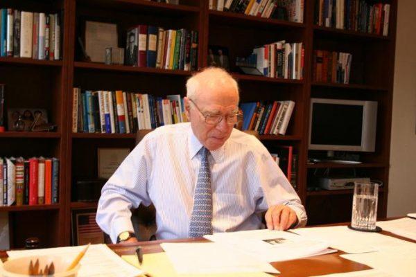Murió Félix Rohatyn, el financiero que salvó a Nueva York de la bancarrota