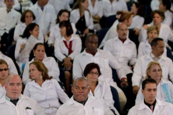 Ya son más de 22.000 los médicos cubanos en Venezuela