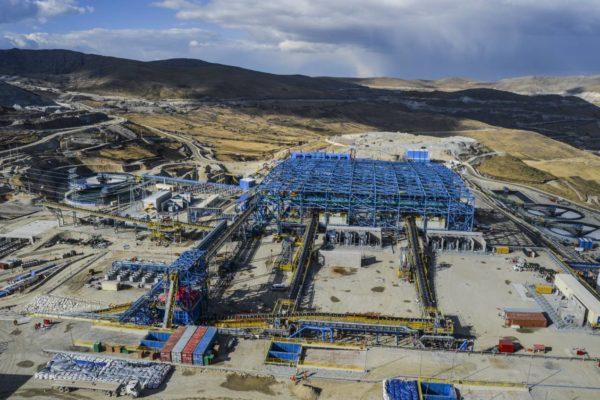 Millones de peruanos desconocen que mina puede dejarlos sin agua