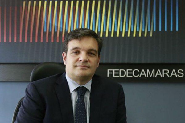Cusanno anuncia creación de fondo privado de rescate y alerta que más controles «pararán la rueda»