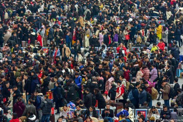 China registra la tasa de natalidad más baja desde 1949