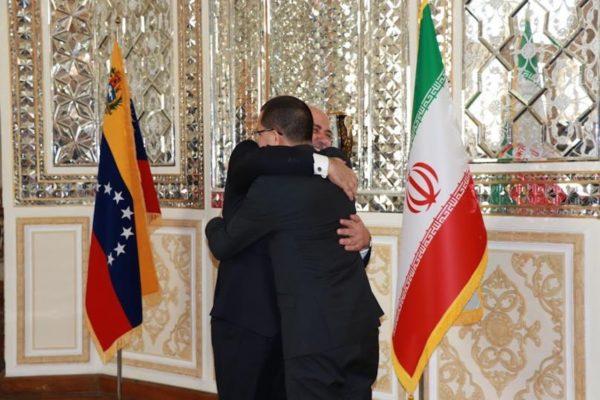 Ministro de Exteriores iraní recibe al canciller de Venezuela en Teherán
