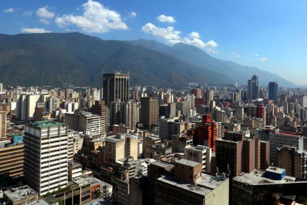 Cámara inmobiliaria de Venezuela: «Si el Petro nos brinda legalidad, bienvenido sea»