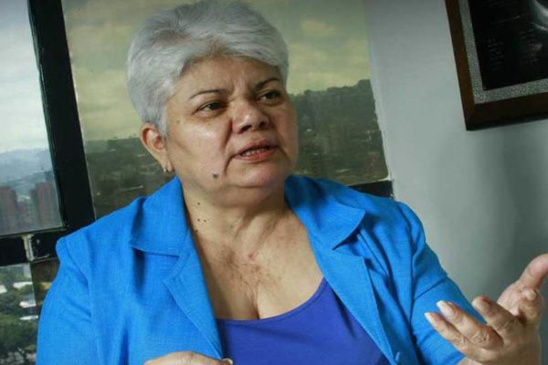Cipriana Ramos: Navieras y aerolíneas corren el riesgo de ser sancionadas por el uso del Petro