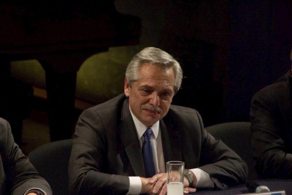 Alberto Fernández insta a países que integran FMI que apoyen a Argentina
