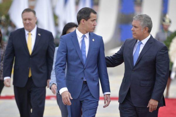Guaidó busca evitar una crisis que debilite posición de su equipo en el exterior