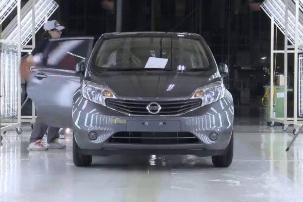 Venta de autos nuevos en Japón caen en 2019 por alza del IVA
