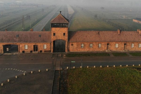 Envejecer con Auschwitz: testimonio de los últimos sobrevivientes