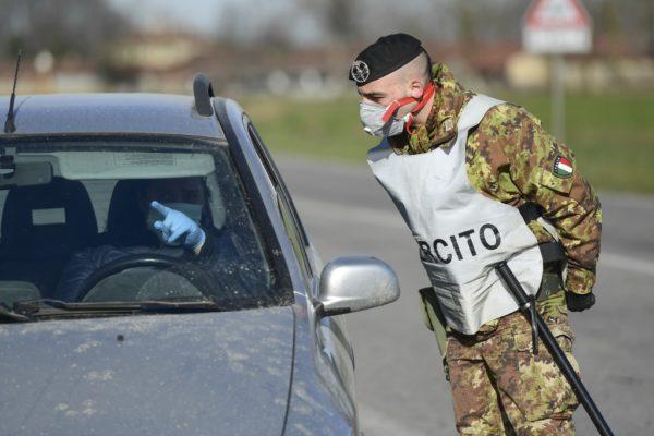 Italia moviliza al ejército para controlar rebrotes de coronavirus