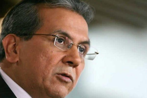 Para el exministro Rodrigo Cabezas formalizar la dolarización es imposible