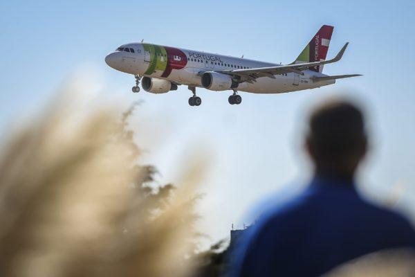 TAP Portugal prevé recuperar su actividad al 40% para septiembre